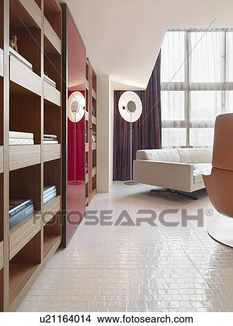 stock foto wei linoleum boden in moderner lebensunterhalt zimmer u21164014 suche. Black Bedroom Furniture Sets. Home Design Ideas