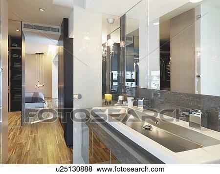 Immagini   grande, lavandino stanza bagno, con, due, rubinetti ...
