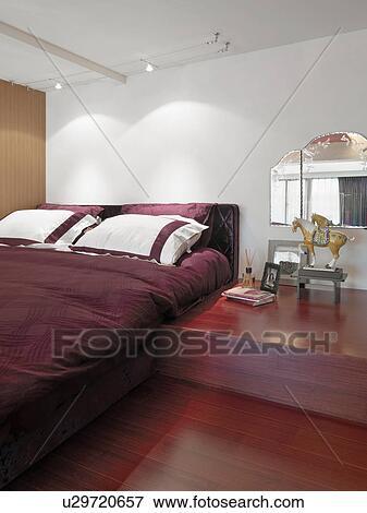Billede   rød, seng, og, hardwood gulv, ind, moderne, soveværelse ...