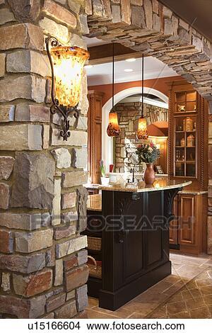 banque de photo pierre arcade dans affluent maison u15166604 recherchez des images des. Black Bedroom Furniture Sets. Home Design Ideas