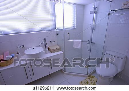 Stock fotografie modernes inneneinrichtung for Inneneinrichtung badezimmer
