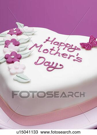 Mother S Day Cake Clip Art : Stock Photo of Decorated Mothers Day cake u15041133 ...