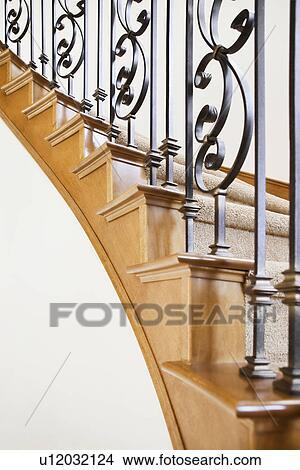 Stock foto metallarbeit dekorieren treppenaufgang u12032124 suche stockbilder wandbilder - Treppenaufgang dekorieren ...