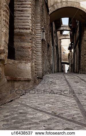 Immagine   medievale, pietra, strada, con, ciottoli, e, lineare ...