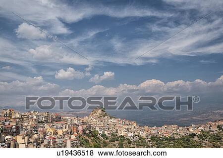 vista aereo pueblo espanol: