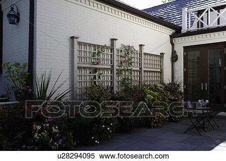 Archivio immagini patio mattone bianco casa for Disegni di casa patio