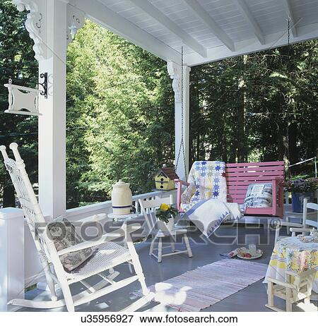 image porches maison vacances fuschia oscillation porche blanc bascule blanc. Black Bedroom Furniture Sets. Home Design Ideas