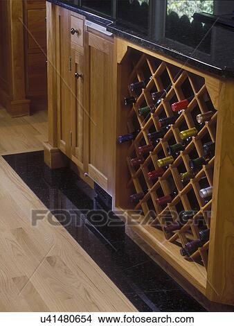 Stock foto   keukens,  , detail, van, onder, toonbank, wijntje ...