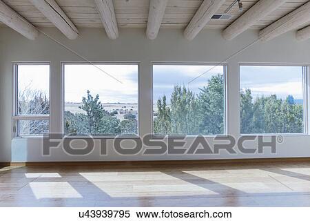 Archivio immagini soffitto raggi e pavimento legno for Disegni di casa in stile santa fe