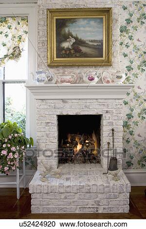 stock fotografie fireplaces wei malen mauerstein. Black Bedroom Furniture Sets. Home Design Ideas