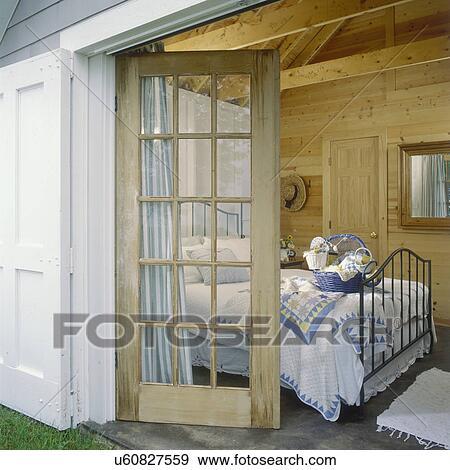 Stockfotografi   gæst, soveværelse,  , hos, lakefront, hytte ...