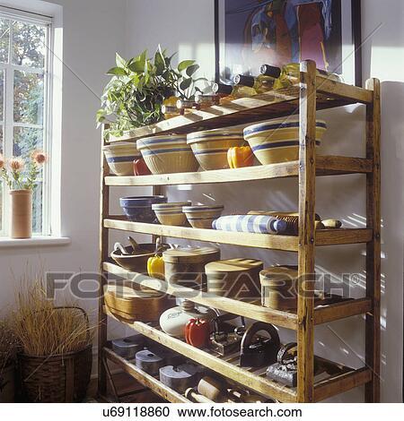 banques de photographies stockage ideas bois s cher refroidissement etag re vieux. Black Bedroom Furniture Sets. Home Design Ideas