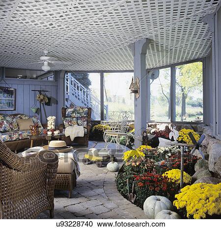 Archivio fotografico porch screened veranda sotto for Disegni ponte veranda