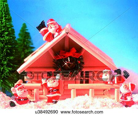 stock fotografie weihnachten innen weihnachtsmann miniatur haus baum u38492690 suche. Black Bedroom Furniture Sets. Home Design Ideas