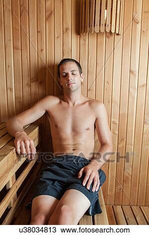 stock foto mann innenseite sauna u38034813 suche. Black Bedroom Furniture Sets. Home Design Ideas