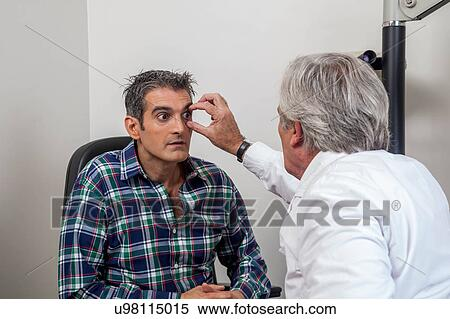 english medical dictionary of ophthalmologist optometrist and optometrist
