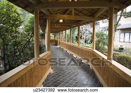Stock foto buiten gang in een japanner herberg japan u23427392 zoek stock fotografie - Kleur corridor ...