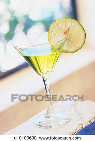 how to cut lemon wedges for drinks