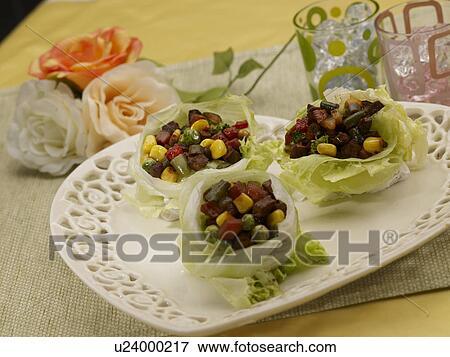 image tableclothe verre tasse d coration nourriture styling tasse boeuf salade verte. Black Bedroom Furniture Sets. Home Design Ideas