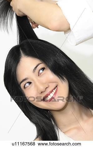 Immagini donna chi tagli capelli u11167568 cerca for Cerca per foto