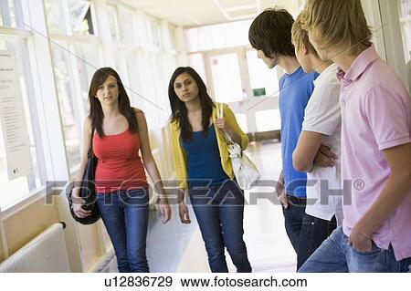 Смотреть фото студентов