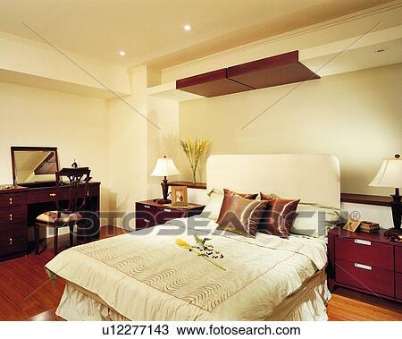 Banque de photo d coration int rieure meubles chambre - Decoration interieure chambre a coucher ...