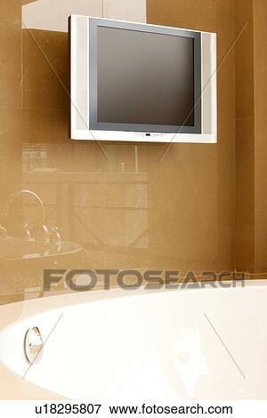 Foto tina casa aparato ba os cuarto de ba o for Artefactos electricos para banos