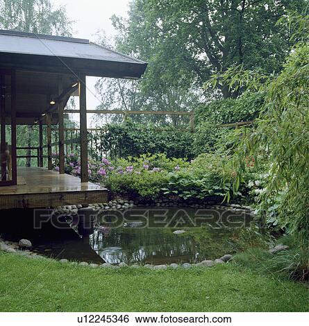 Archivio di immagini circolare stagno in giardino for Stagno in giardino