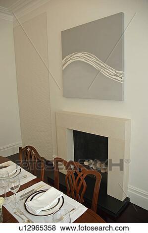 Fotos pintura abstracta sobre chimenea en moderno - Pintura comedor moderno ...
