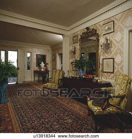 stock foto tapezieren innere m bel sessel gesims teppich innere u13918344 suche. Black Bedroom Furniture Sets. Home Design Ideas