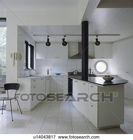 Stock Afbeelding - grijze, bevloering, in, hippe, witte, keuken ...