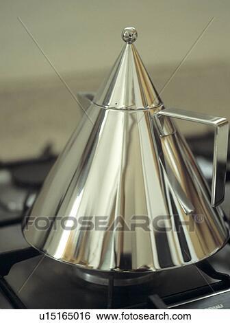 Archivio di immagini primo piano di acciaio for Bollitore alessi prezzo