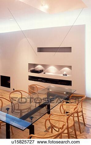 bild - bentwood, stühle, und, glastisch, in, modernes, weiß, Esszimmer dekoo