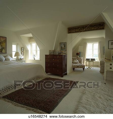 Arkivfoto orientalsk teppe p fl te teppe inn stor for Chambre adulte originale