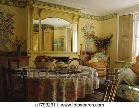 Banques de photographies fleur peintures murales sur for Peinture murale jaune pastel