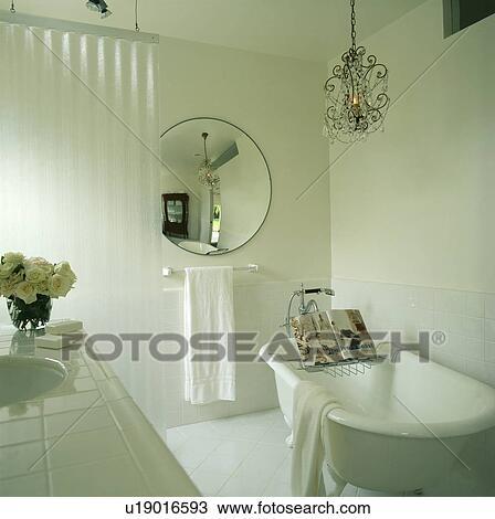 stock foto - kreisrunder, spiegel, und, glas, kronleuchter, in, Hause ideen