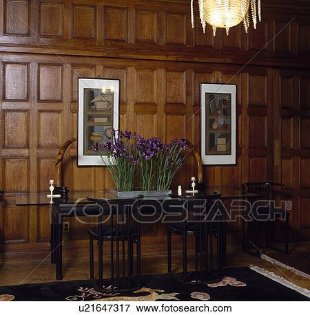 Immagine panelled sala da pranzo con blu iride in for Sala da pranzo lunga e stretta
