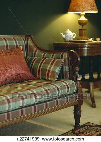 stock fotograf - rot grün, kontrollieren, polsterung, auf, antiker ... - Wohnzimmer Rot Grun