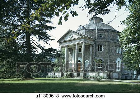 Pictures of Large pedimented porch with pillars on circular Georgian ...