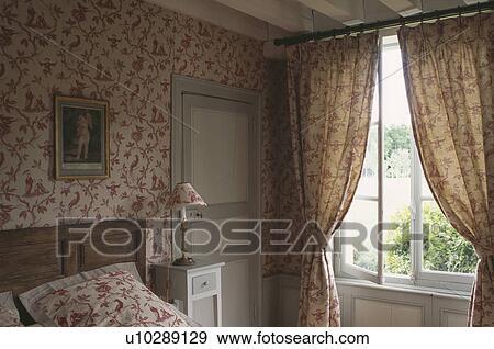 Banque de photographies rouges papier peint model et - Modele rideaux chambre a coucher ...