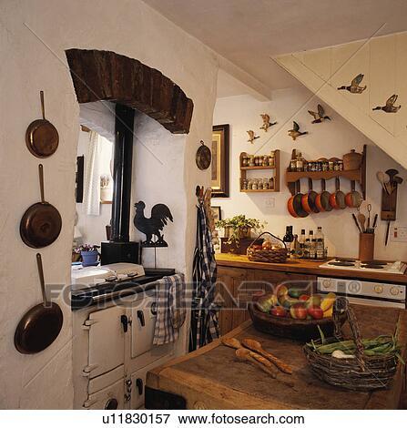 bild wei rayburn backhofen in klein landhausk che. Black Bedroom Furniture Sets. Home Design Ideas