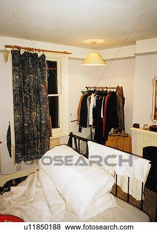 Images d labr chambre coucher avant r novation for Renovation chambre a coucher