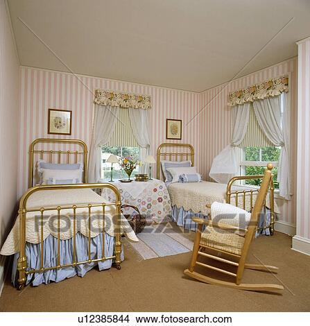 quilts, en blauw, valances, op, ilt, tweeling, bedden, in, slaapkamer ...