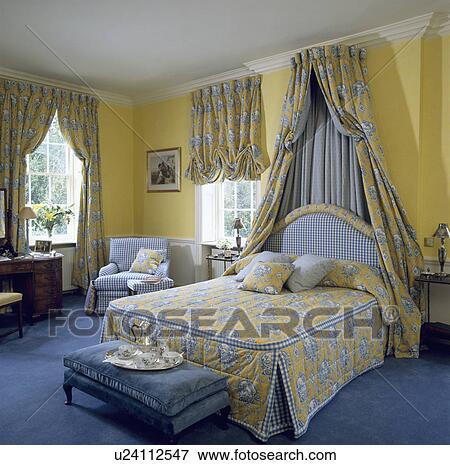 Bilde   passende, yellow blue, gardiner, med, coronet, forheng, og ...