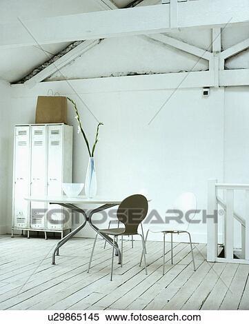 stock bild arne jacobsen 39 ant 39 st hle und metall. Black Bedroom Furniture Sets. Home Design Ideas