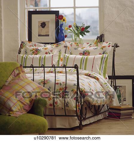 banques de photographies ray et floral model oreillers floral dredon sur fer. Black Bedroom Furniture Sets. Home Design Ideas