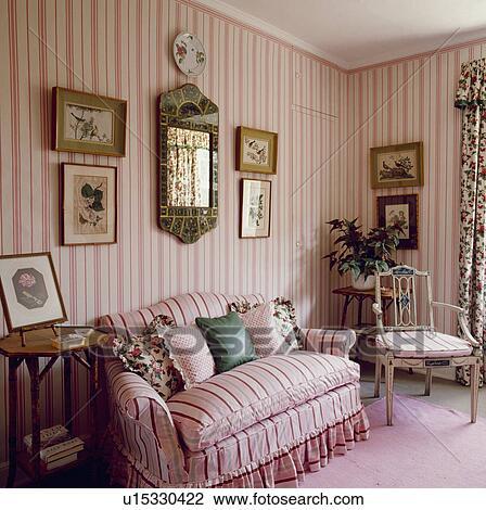 banque de photo rose ray colefax fowler sofa assorti papier peint dans traditionnel. Black Bedroom Furniture Sets. Home Design Ideas