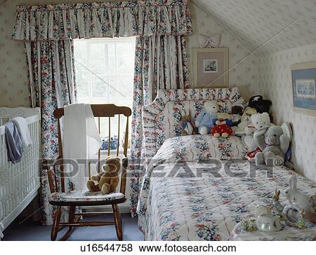 ... gordijnen, in, kind, zoldertjes, slaapkamer, met, kinderbed, en, enkel