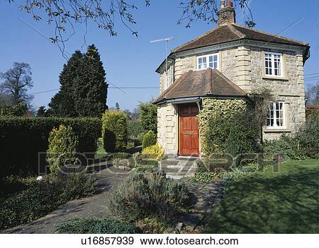 Archivio fotografico tradizionale pietra pedaggio for Piani e foto di cottage in pietra