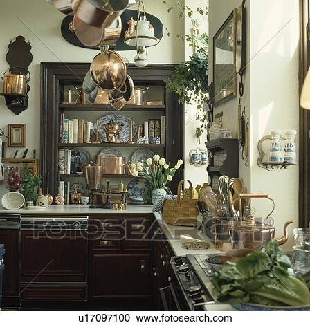 Stock Fotografie - koper, pannen, op, plafond rek, in ...